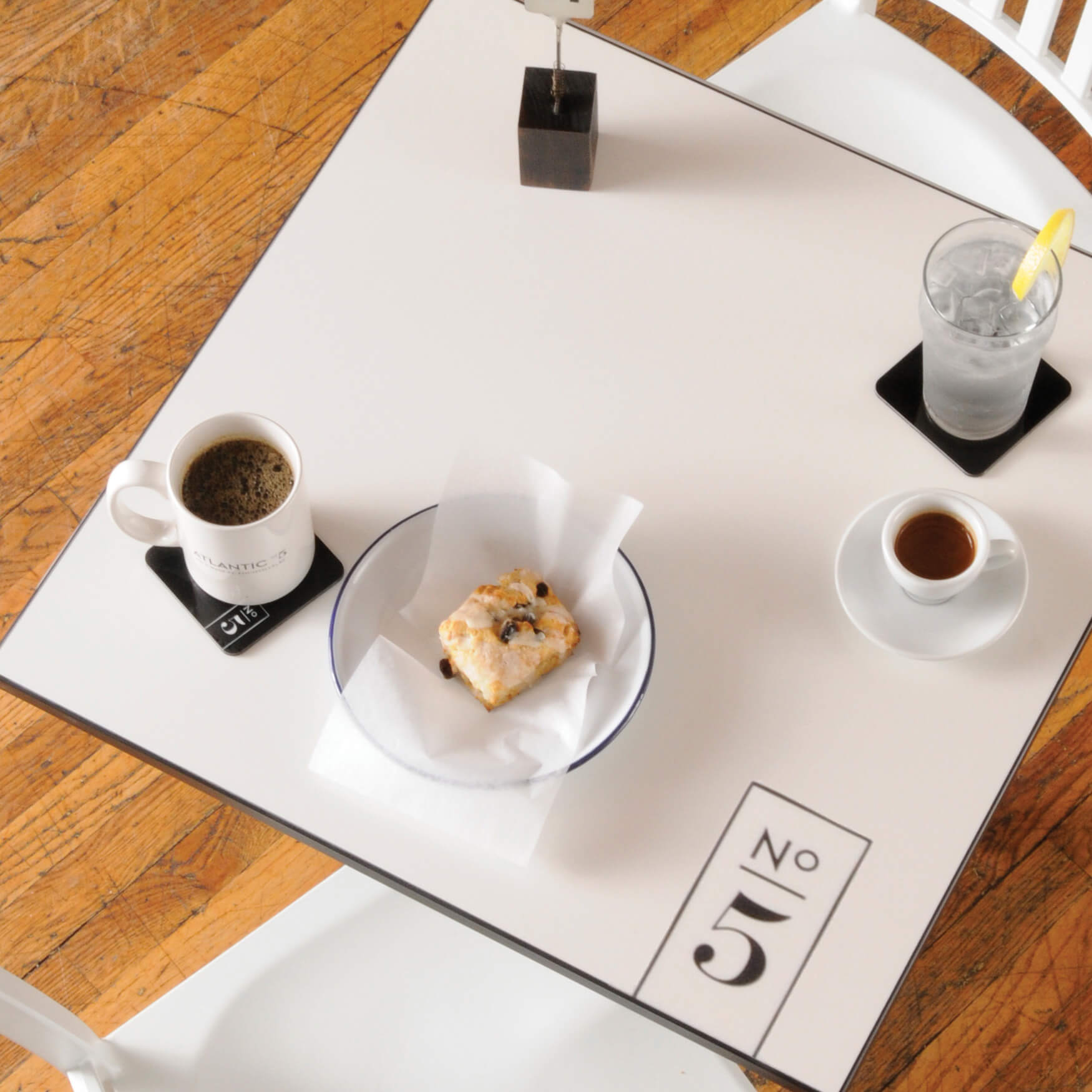 productexample-gallery-table05